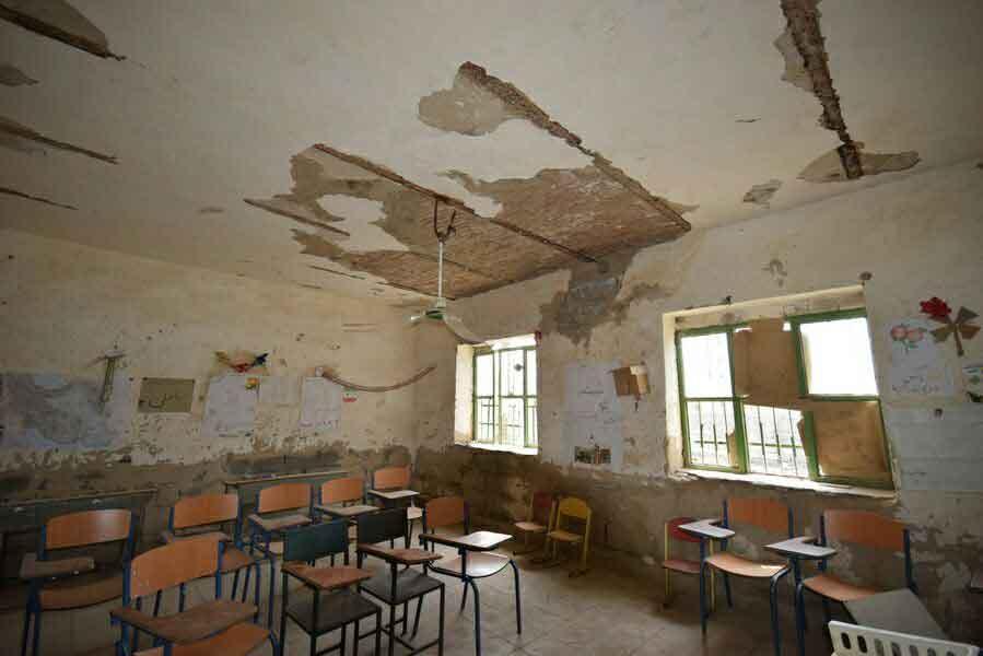 کلاس درس و مدرسه فرسوده روستای قاسم آباد جیرفت کرمان