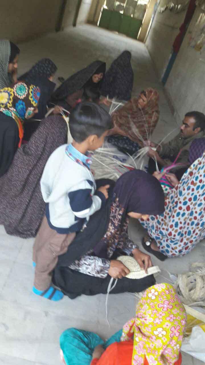 حصیربافی زنان روستای قاسم آباد جیرفت توانمندسازی زنان