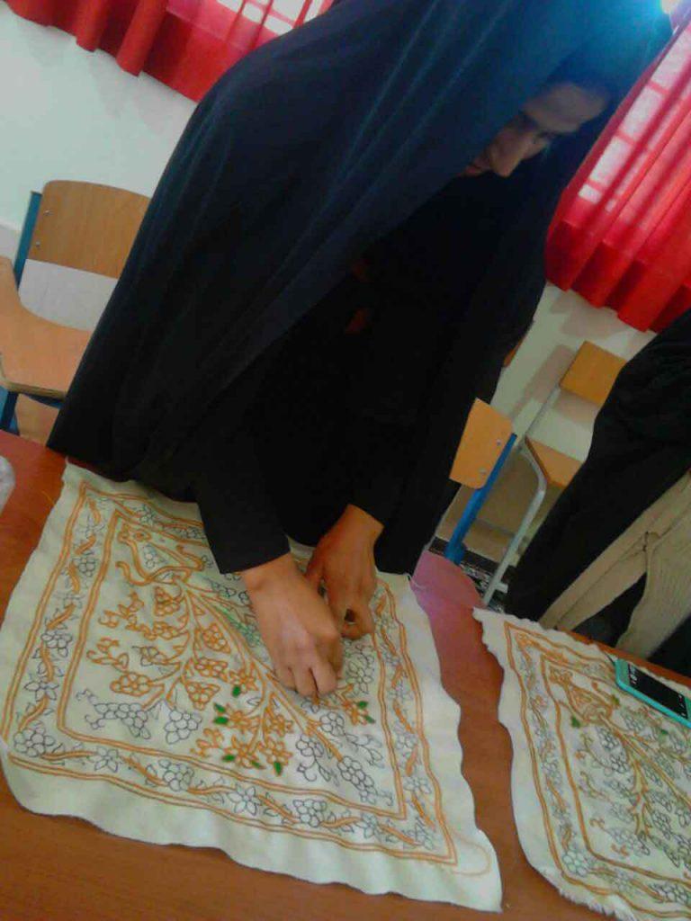 پته دوزی زنان روستای قاسم آباد جیرفت توانمندسازی زنان