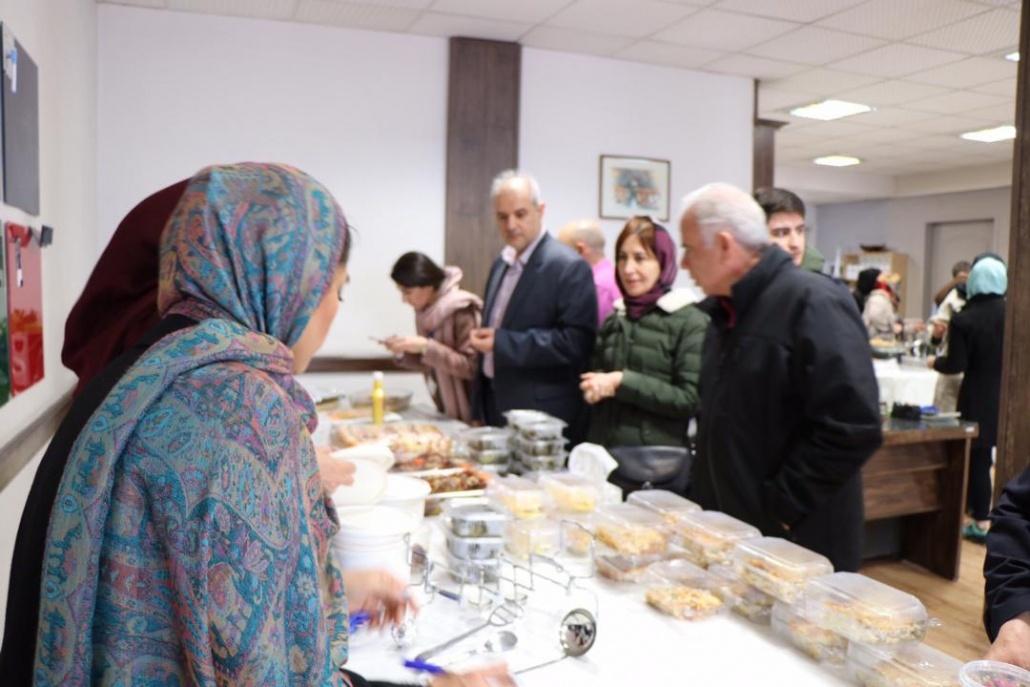 بازارچه خیریه غذای ملل 1398 موسسه نیکوکاری مهرطه