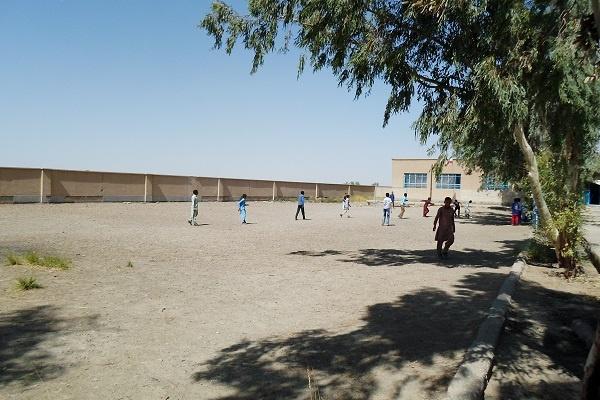 فوتبال بازی کردن بچه های هامون