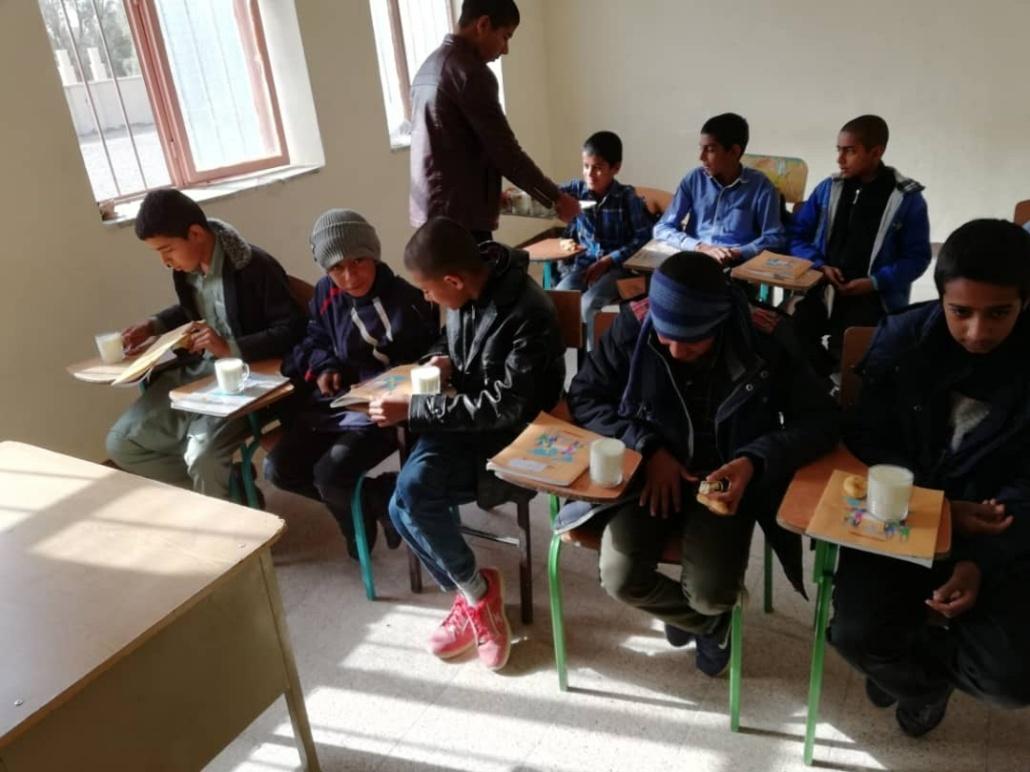 صبحانه برای دانش آموزان مناطق محروم
